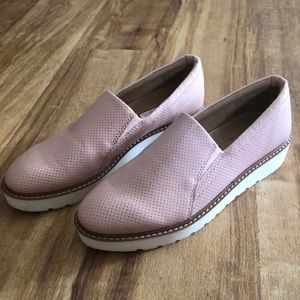 *NEW Pink Slip-on Shoes (Naturalizer - 7.5)